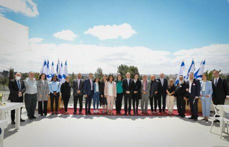 """חילי טרופר: """"האחווה הישראלית היא מה שהחזיק את כולנו יותר מכל בשנה האחרונה"""""""